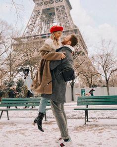 Acordei em Paris com neve pela primeira vez . - Me and you - Viagem Europa Paris Photography, Tumblr Photography, Couple Photography, Haute Couture Paris, Paris Amor, Paris Paris, Paris Couple, Couples In Paris, Leonie Hanne