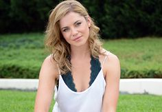 Home And Away's Jessica Grace Smith Jessica Grace, Seasonal Color Analysis, Season Colors, Home And Away, Basic Tank Top, Interview, Hair Color, Hairstyle, Celebs