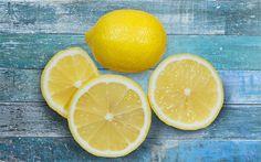Hast du dich jemals gefragt warum der Duft der Zitrone bei fast allen Reinigungs- oder Sanitätsprodukten verwendet wird? Nun, es stellte sich heraus, dass der Duft der Zitrone nicht nur würzig und erfrischend ist, sondern auch eine Vielzahl von gesundheitlichen Vorteilen bietet. Und du kannst von diesen gesundheitlichen Vorteilen profitieren indem du eine Zitrone aufschneidest …
