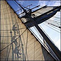 Photo Plisson. Aloft tall ship