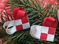 Weihnachtliche Fröbel-Flechtherzen 2