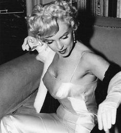 Marilyn at the press conference for Marilyn Monroe Productions in January 1955.