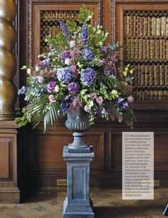 contemporary floral arrangement images Flower Arranging on your list Its full of inspiration and Artificial Flower Arrangements, Beautiful Flower Arrangements, Wedding Flower Arrangements, Floral Centerpieces, Floral Arrangements, Beautiful Flowers, Tall Centerpiece, Centerpiece Wedding, Book Centerpieces