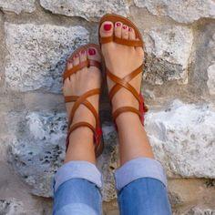ριитєяєѕт: @ѕσρнιєкαтєℓσνєѕ | pretty tan leather cross sandals