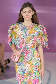 New york, ny - september grace elizabeth walks the runway at the kate spade spring summer 2019 fashion show during new york fashion week — photo Floral Fashion, Fashion Prints, Vintage Fashion, Women's Fashion, Grace Elizabeth, Rose Print Dress, Couture Collection, Business Fashion, New York Fashion