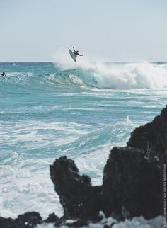 Leinen los: Nach ihrem fulminanten Premierenjahr 2014 geht die Int. OCEAN FILM TOUR mit neuem Programm an den Start. Am 16. April bringen die Macher der E.O.F.T. die besten Wassersport- und Umweltdokumentationen des Jahres auf die große Leinwand in die Liederhalle: Abenteuer. Action. Unterwasserwelt. Mehr Infos und Tickets unter http://www.oceanfilmtour.com/tickets und den aktuellen Teaser findet ihr unter: https://www.youtube.com/user/oceanfilmtour