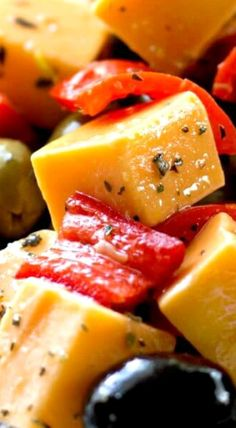Marinated Cheese Peppers and Olives is a fantastic appetizer or side dish that's easy to prepare and fantastic for parties or football games. Yummy Appetizers, Appetizers For Party, Appetizer Recipes, Snack Recipes, Party Snacks, Marinated Cheese, Vegan Apps, Appetisers, Finger Foods
