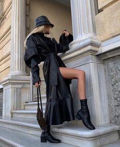Minimalism November 09 2019 at fashion-inspo Fashion 2020, Look Fashion, High Fashion, Winter Fashion, Womens Fashion, Mode Outfits, Fall Outfits, Fashion Outfits, Fashion Trends