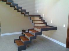 Resultado de imagem para escada metalica com madeira