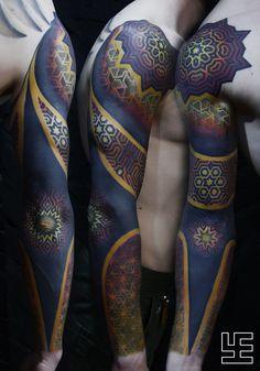 new zealand maori tattoos arm bands Geometric Sleeve Tattoo, Geometric Tattoo Design, Arm Sleeve Tattoos, Tattoo Sleeve Designs, Shoulder Tattoos, Maori Tattoos, Leg Tattoos, Body Art Tattoos, Tattoos For Guys