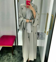 Emirates Dressing online shopping store offers beautiful Abaya dresses directly from the UAE. The Emirates Abaya will take you anywhere from trips in the desert, to shopping, to 5 star restaurants and weddings. Arab Fashion, Islamic Fashion, Muslim Fashion, Modesty Fashion, Female Fashion, Hijab Outfit, Hijab Dress, Hijab Mode, Mode Ootd