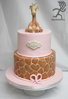 Giraffe Baby Shower with 2 Giraffe Tutorials - by Ciccio @ CakesDecor.com - cake decorating website
