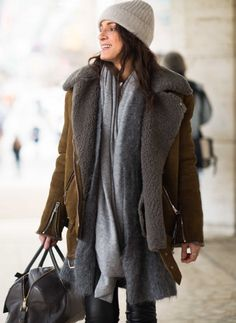 my shearling is RL faux but I layer exactly like this. Grey Fashion, Love Fashion, Winter Fashion, Winter Stil, Shearling Jacket, Winter Wear, Street Style, Style Inspiration, Stylish