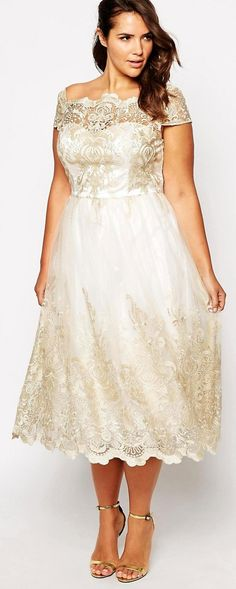 Plus size wedding dresses - vintage inspired with gorgeous lace detailing #weddinggown #plussize