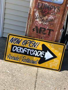 #lumpysgarage Garage Art, Pinstriping, Hand Painted Signs, Arcade, Unique Jewelry, Handmade Gifts, Etsy Seller, World, Painting