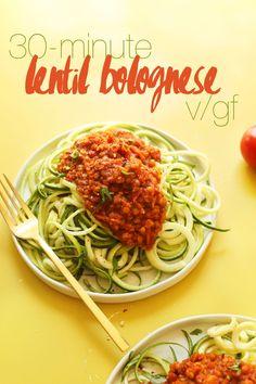 Spiralisierter Zucchini Pasta mit Vegan Lentil Red Sauce!  30 Minuten so…