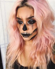 Looking for for ideas for your Halloween make-up? Browse around this site for creepy Halloween makeup looks. Halloween Clown, Unique Halloween Makeup, Halloween Looks, Halloween Costumes, Brown Matte Lipstick, Natural Lipstick, Makeup Inspiration, Makeup Ideas, Party Make-up