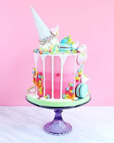 Here's the full shot of this little stunner complete with macarons, meringue kisses, white chocolate drip and a pearl ice cream topper! Girly Birthday Cakes, Ice Cream Birthday Cake, Ice Cream Cone Cake, Bolo Drip Cake, Drip Cakes, Bolo Cake, Birthday Celebrations, Birthday Parties, 4th Birthday