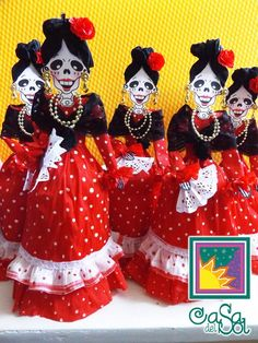 Dia de los muertos Paper doll Mexican Folk Art, Mexican Style, Mexican Holiday, Halloween Doll, Creepy Dolls, Day Of The Dead, Altered Art, Paper Dolls, Projects To Try