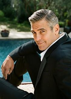 Ahhh the George Clooney haircut. Throughout the years George Clooney haircuts have Irish Baby Names, Names Girl, Celebrity Hair Stylist, Hommes Sexy, Irish Men, Irish Guys, Raining Men, Salma Hayek, Hollywood Stars