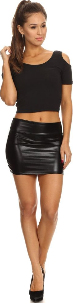 Sakkas Kaie Women's Shiny Metallic Liquid Wet Look Mini Skirt - Sakkas Store Christmas Party Outfits, Halloween Outfits, Business Professional Attire Women, Heaviest Woman, Black Leggings Outfit, Going Out Tops, Wet Look, Casual Chic Style, Celebrity Look