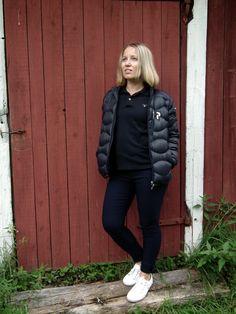 147 cm elämää http://www.stoori.fi/147cm-elamaa/farkun-nakoiset-housut/