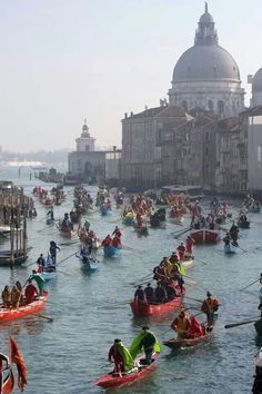 Carnevale di Venezia - Carnival in Italy Venice Places Around The World, Oh The Places You'll Go, Travel Around The World, Places To Travel, Places To Visit, Around The Worlds, Rome Florence, Carnival Of Venice, Dream Vacations