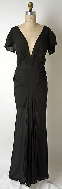 Evening dress (front view) Design House: House of Patou  Designer: Jean Patou  Date: ca. 1937 Culture: French Medium: silk Accession Number: 2002.470