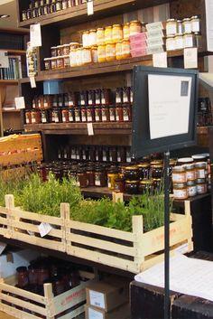 { La Fromagerie es una tienda de delicatessen ideal que hay en Marylebone. Lo más famoso es The Cheese Room donde tiene quesos buenísimos } #lafromagerie #cheesemonger #londres
