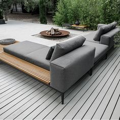 gloster grid | choice of colours | outdoor furniture | gloster UK