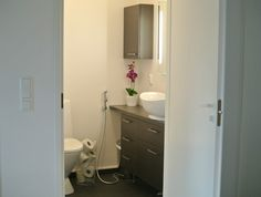 hemmafru: elokuu 2013 Toilet, Litter Box, Toilets, Powder Rooms