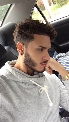 New hairstyles wavy hair men ideas Haircuts For Wavy Hair, Wavy Hair Men, Trendy Haircuts, Undercut Hairstyles, Long Curly Hair, Boy Hairstyles, Haircuts For Men, Short Hair Cuts, Amazing Hairstyles