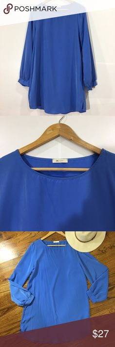 EUC EVERLY LONG SLEEVE BLUE SHIFT DRESS M Excellent used condition. Blue shift dress with full cuffed long sleeve. Everly Dresses