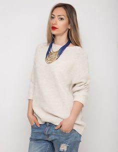White Chocolate Sweater Πλεκτό εκρού πουλόβερ σε άνετη γραμμή. One size. Από 3̶4̶,̶0̶0̶ ̶€̶ τώρα μόνο 19,90 €