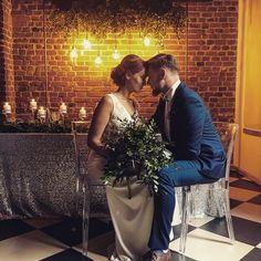 Tak na szybko telefonem migawka ze scenografii  dla #niezleaparaty - już niedługo spłyną zdjęcia - będzie co oglądać :) - @jaceksiwko #edanart #dekoracjeweselne  #dekoracjeswiatlem #kwiatydoslubu #dekoracjeweselne #wesele #rusticwedding #weselerustykalne