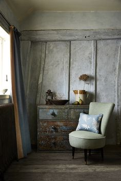 Rustic & Cottage on Pinterest | World Of Interiors, 1950s Furniture ...: https://www.pinterest.com/flashback1/rustic-cottage