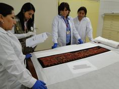 Peru: Sweden returns 79 Paracas textiles   Noticias   Agencia Andina