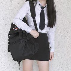 Cute School Uniforms, School Uniform Fashion, School Girl Outfit, Girl Outfits, Cute Outfits, Korean Girl Fashion, Asian Fashion, Hijab Fashion, Fashion Outfits