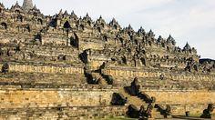 #Templul Borobudur, Indonesia  23 de poze cu cele mai frumoase biserici si temple din lume.  Vezi mai multe poze pe www.ghiduri-turistice.info  Sursa : www.flickr.com/photos/91401835@N00/
