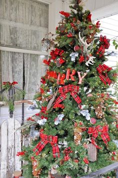 a-Rustic-Plaid-Farm-House-_-Cabin-Christmas-Tree-by-Kara-Allen-_-KarasPartyIdeas.com-for-Michaels-MichaelsMakers-Dream-Tree-Challenge-73