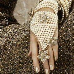 Perlas Chanel