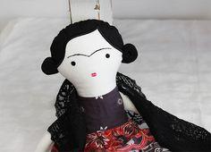 Doll Frida Kahlo / Břichopas toys