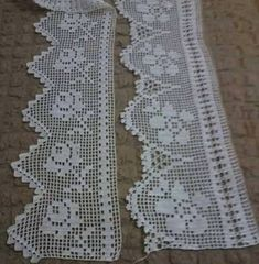 This Pin was discovered by HUZ Crochet Lace Edging, Crochet Borders, Crochet Trim, Love Crochet, Filet Crochet, Crochet Doilies, Crochet Stitches, Crochet Hooks, Crochet Baby