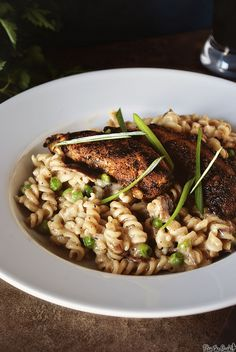 blackened-chicken-mac-and-cheese-0438a by PasstheSushi, via Flickr