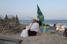 Datafolha: 57% brasileños con más 16 años se declara católico. En 1994: 54%, En 193: 98% #EnlaTierradelPapa (vía @rolandoteleSUR)