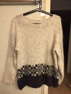 Her har jeg brukt garnet Air fra Drops perlegrå og svart, inspirert av Skappelstrikk.no men lagd den på min måte Knitting Patterns, Pullover, Inspiration, Crochet, Sweaters, Jumpers, Fashion, Sweater Vests, Women