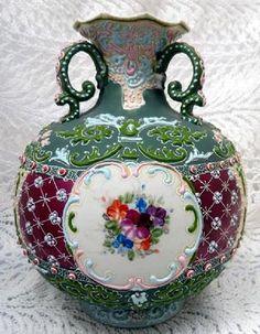 NIPPON MORIAGE NIPPON TRI HANDLE FLORAL BULBOUS VASE Vintage Vases, Antique Vases, Horse Race Game, Oriental Design, Victorian Art, Noritake, Art Decor, Japanese China, Japanese Art
