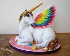 amazing cakes Unique & Alternative Wedding Cakes- Award winning bakers that specialise in large scale cake sculptures and unusual cake subject matter! Pretty Cakes, Cute Cakes, Beautiful Cakes, Amazing Cakes, Unicorn Party, Unicorn Birthday, Unicorn Cakes, Unicorn Wedding, 3d Cakes