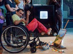 #Meet Your #Star - #Narayan #Ramakrishnan, a renown foot painter....  Read More.. http://goo.gl/SrcajQ