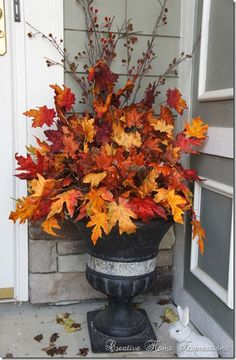 fall urn planter ideas \ fall urn planter ideas - outdoor urn planter ideas for fall Autumn Decorating, Porch Decorating, Outside Fall Decorations, Halloween Decorations, Thanksgiving Decorations Outdoor, Harvest Decorations, Thanksgiving Wreaths, Fall Containers, Succulent Containers